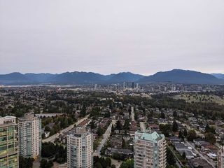 "Photo 3: 3903 4688 KINGSWAY in Burnaby: Metrotown Condo for sale in ""Station Square I"" (Burnaby South)  : MLS®# R2505649"