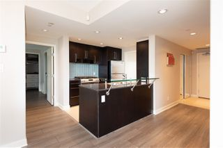 """Photo 5: 802 638 BEACH Crescent in Vancouver: Yaletown Condo for sale in """"ICON"""" (Vancouver West)  : MLS®# R2511968"""