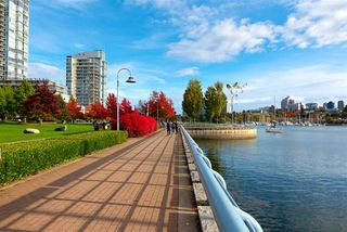"""Photo 24: 802 638 BEACH Crescent in Vancouver: Yaletown Condo for sale in """"ICON"""" (Vancouver West)  : MLS®# R2511968"""
