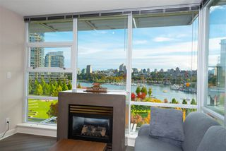 """Photo 4: 802 638 BEACH Crescent in Vancouver: Yaletown Condo for sale in """"ICON"""" (Vancouver West)  : MLS®# R2511968"""
