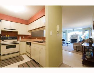 "Photo 5: 101 8728 MARINE Drive in Vancouver: Marpole Condo for sale in ""RIVERVIEW COURT"" (Vancouver West)  : MLS®# V794426"