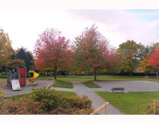 """Photo 10: 101 8728 MARINE Drive in Vancouver: Marpole Condo for sale in """"RIVERVIEW COURT"""" (Vancouver West)  : MLS®# V794426"""