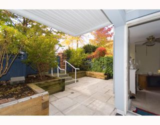 """Photo 2: 101 8728 MARINE Drive in Vancouver: Marpole Condo for sale in """"RIVERVIEW COURT"""" (Vancouver West)  : MLS®# V794426"""