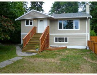 Photo 1: 3696 Hoskins Road in North Vancouver: Lynn Valley House  : MLS®# V773705