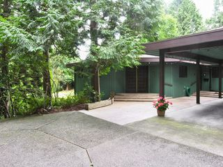 Photo 1: 13538 20 Avenue in Surrey: Elgin Chantrell House for sale (South Surrey White Rock)  : MLS®# F2720662