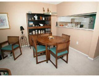"Photo 10: 1501 1199 EASTWOOD Street in Coquitlam: North Coquitlam Condo for sale in ""THE SELKIRK"" : MLS®# V672556"