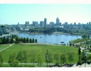 """Photo 2: 805 388 DRAKE Street in Vancouver: Downtown VW Condo for sale in """"GOVERNORS TOWER"""" (Vancouver West)  : MLS®# V681137"""