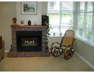 Photo 2: 105 657 W 7TH Avenue in Vancouver: Fairview VW Townhouse for sale (Vancouver West)  : MLS®# V683047