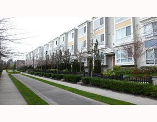 "Photo 10: 6791 VILLAGE Grove in Burnaby: VBSHG Townhouse for sale in ""MONTEREY"" (Burnaby South)  : MLS®# V702457"