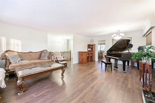 Photo 3: 2108 E 54TH Avenue in Vancouver: Fraserview VE House for sale (Vancouver East)  : MLS®# R2391373