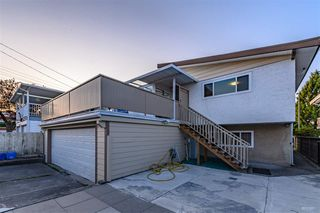 Photo 17: 2108 E 54TH Avenue in Vancouver: Fraserview VE House for sale (Vancouver East)  : MLS®# R2391373