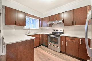 Photo 8: 2108 E 54TH Avenue in Vancouver: Fraserview VE House for sale (Vancouver East)  : MLS®# R2391373