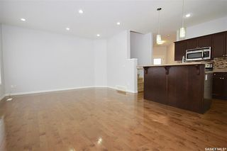 Photo 4: 110 Ashworth Crescent in Saskatoon: Stonebridge Residential for sale : MLS®# SK798771