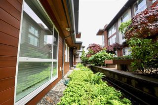 """Photo 3: 6 16223 23A Avenue in Surrey: Grandview Surrey Townhouse for sale in """"THE BREEZE"""" (South Surrey White Rock)  : MLS®# R2465177"""