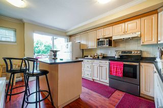 Photo 3: 8 8255 120A Street in Surrey: Queen Mary Park Surrey Townhouse for sale : MLS®# R2481501
