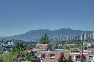 "Photo 8: 10 1214 W 7TH Avenue in Vancouver: Fairview VW Townhouse for sale in ""Marvista Courts"" (Vancouver West)  : MLS®# R2481604"
