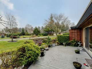Photo 2: 155 2345 Cedar Hill Cross Rd in : OB Henderson Row/Townhouse for sale (Oak Bay)  : MLS®# 850900