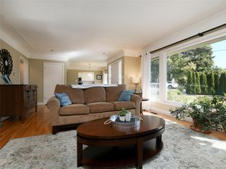 Photo 4: 312 Brunswick Pl in : SW Tillicum House for sale (Saanich West)  : MLS®# 857112