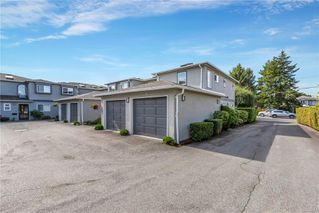 Photo 1: 1 9855 Resthaven Dr in : Si Sidney North-East Row/Townhouse for sale (Sidney)  : MLS®# 861970