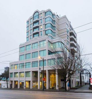 "Photo 27: 802 1355 W BROADWAY in Vancouver: Fairview VW Condo for sale in ""The Broadway"" (Vancouver West)  : MLS®# R2525666"