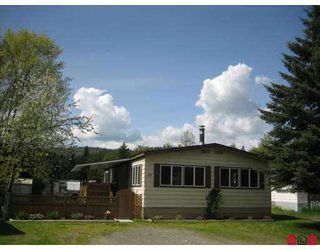 "Main Photo: 69 3942 COLUMBIA VALLEY Highway in Cultus_Lake: Cultus Lake Manufactured Home for sale in ""CULTUS LAKE VILLAGE"" : MLS®# H2701842"