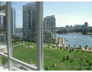 """Photo 3: 501 633 KINGHORNE MEWS BB in Vancouver: False Creek North Condo for sale in """"ICON II"""" (Vancouver West)  : MLS®# V697625"""