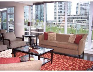 """Photo 5: 501 633 KINGHORNE MEWS BB in Vancouver: False Creek North Condo for sale in """"ICON II"""" (Vancouver West)  : MLS®# V697625"""