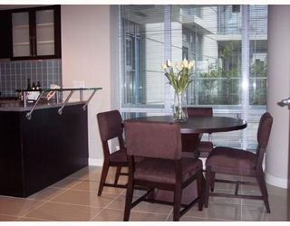 """Photo 6: 501 633 KINGHORNE MEWS BB in Vancouver: False Creek North Condo for sale in """"ICON II"""" (Vancouver West)  : MLS®# V697625"""