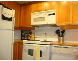 "Photo 6: 106 675 W 7TH Avenue in Vancouver: Fairview VW Condo for sale in ""THE IVY'S"" (Vancouver West)  : MLS®# V697927"