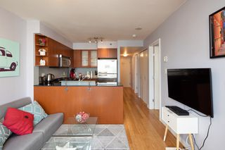 "Photo 17: 1108 822 SEYMOUR Street in Vancouver: Downtown VW Condo for sale in ""L'ARIA"" (Vancouver West)  : MLS®# R2393856"