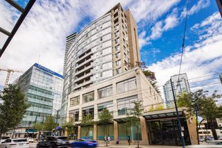"Photo 1: 1108 822 SEYMOUR Street in Vancouver: Downtown VW Condo for sale in ""L'ARIA"" (Vancouver West)  : MLS®# R2393856"