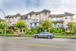 """Photo 2: 303 3128 FLINT Street in Port Coquitlam: Glenwood PQ Condo for sale in """"Fraser Court Terrace"""" : MLS®# R2408224"""