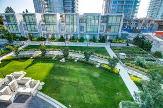"Photo 2: 304 4900 LENNOX Lane in Burnaby: Metrotown Condo for sale in ""THE PARK"" (Burnaby South)  : MLS®# R2412863"
