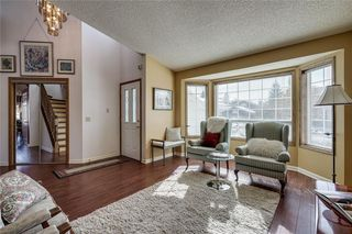 Photo 3: 176 HAWKLAND Circle NW in Calgary: Hawkwood Detached for sale : MLS®# C4272177