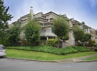 Photo 3: 201 1999 SUFFOLK Avenue in Port Coquitlam: Glenwood PQ Condo for sale : MLS®# R2437675