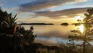 Photo 1: 974 WINDJAMMER Road: Bowen Island House for sale : MLS®# R2460740