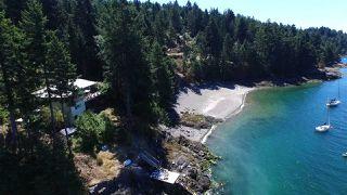 Photo 2: 974 WINDJAMMER Road: Bowen Island House for sale : MLS®# R2460740