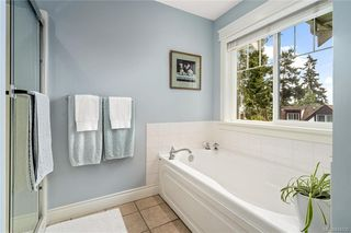 Photo 29: 54 Fenton Pl in View Royal: VR View Royal Single Family Detached for sale : MLS®# 844330
