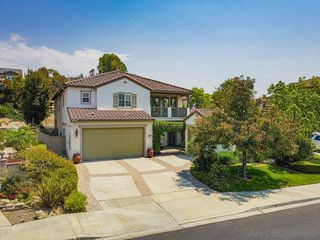 Photo 2: CHULA VISTA House for sale : 5 bedrooms : 829 Middle Fork Pl