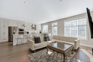 """Photo 11: 21 19938 70 Avenue in Langley: Willoughby Heights Townhouse for sale in """"Crest"""" : MLS®# R2497011"""