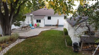 Photo 3: 199 Lumber Avenue in Steinbach: R16 Residential for sale : MLS®# 202024427