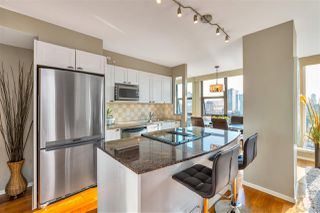 "Photo 11: 1602 1723 ALBERNI Street in Vancouver: West End VW Condo for sale in ""THE PARK"" (Vancouver West)  : MLS®# R2506310"