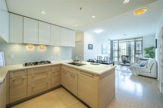 """Photo 2: 2605 1188 PINETREE Way in Coquitlam: North Coquitlam Condo for sale in """"M3"""" : MLS®# R2527415"""