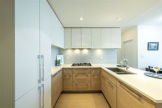 """Photo 3: 2605 1188 PINETREE Way in Coquitlam: North Coquitlam Condo for sale in """"M3"""" : MLS®# R2527415"""
