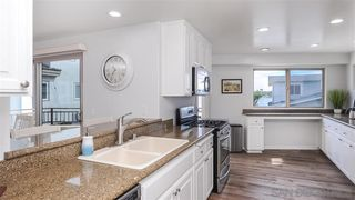 Photo 6: MISSION BEACH House for sale : 3 bedrooms : 820 Kennebeck Ct in San Diego
