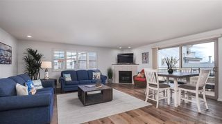 Photo 1: MISSION BEACH House for sale : 3 bedrooms : 820 Kennebeck Ct in San Diego