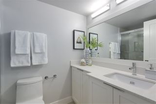 """Photo 13: 405 2215 DUNDAS Street in Vancouver: Hastings Condo for sale in """"HARBOUR REACH"""" (Vancouver East)  : MLS®# R2453344"""