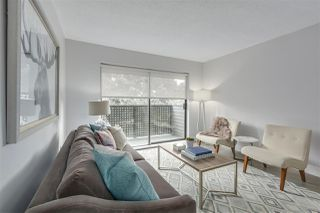 """Photo 4: 405 2215 DUNDAS Street in Vancouver: Hastings Condo for sale in """"HARBOUR REACH"""" (Vancouver East)  : MLS®# R2453344"""