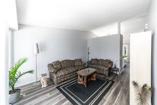 Photo 5: 26 Oakview Crescent: St. Albert House for sale : MLS®# E4208155