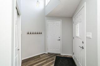 Photo 2: 26 Oakview Crescent: St. Albert House for sale : MLS®# E4208155